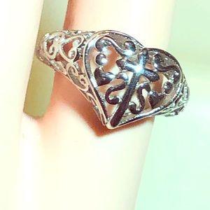 Beautiful Filigree Silver Heart/Cross Ring. Sz 5.